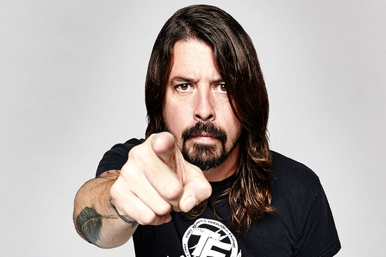 Co porabia Dave Grohl?